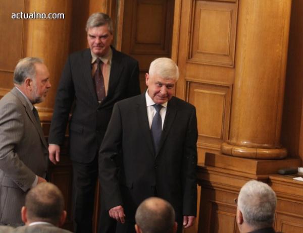 photo of Избраха Кирил Ананиев за министър със 121 гласа