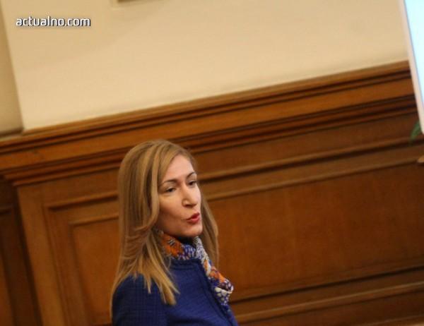 """photo of Около Ангелкова също е очертан """"дриймтийм"""", взел милиони от обществени поръчки"""