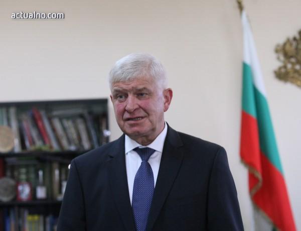photo of Ананиев: До 15 май ще разсрочим плащанията към чуждите здравни каси
