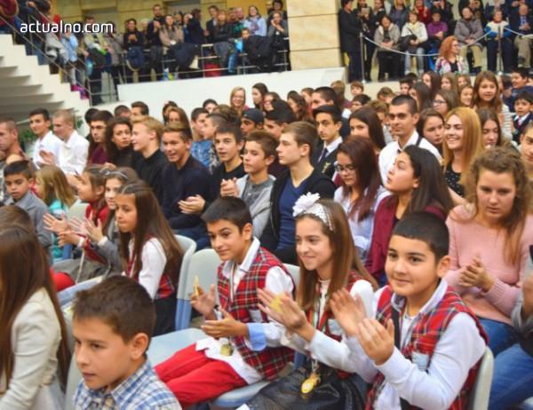 photo of 300 български ученици ще завършат в Украйна тази година