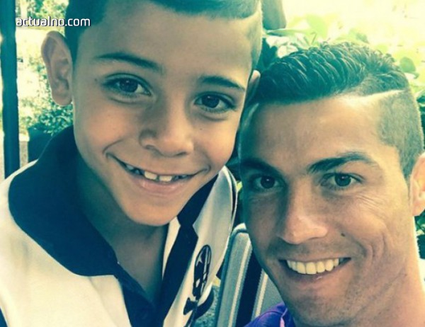 photo of Синът на Роналдо пусна своя снимка с идола си Меси