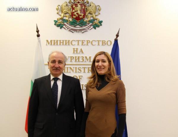 photo of Посланикът на Украйна към Ангелкова: Туризмът в България се развива отлично