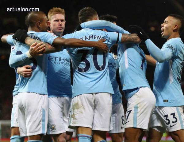 photo of Манчестър Сити взе и градското дерби за 14-та поредна победа в Англия (ВИДЕО)