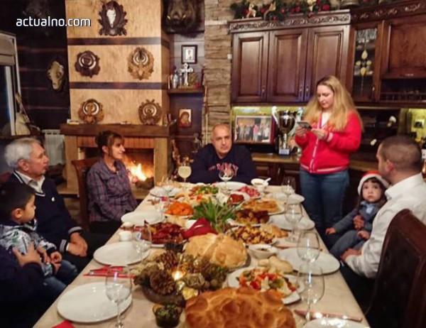 photo of Новинарската празнична трапеза  - с Бойко Борисов
