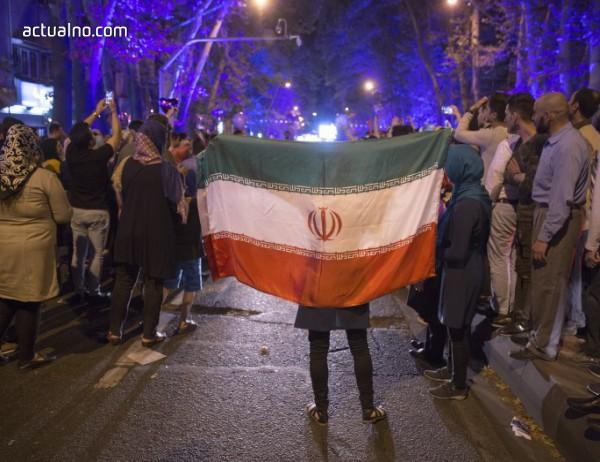 photo of Протестите в Иран се насочиха срещу религиозната установеност