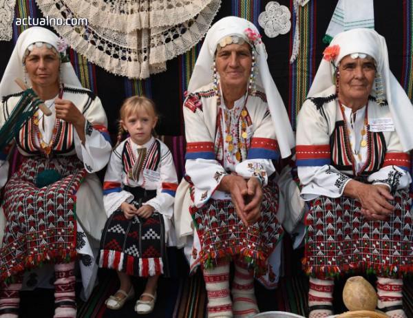 photo of 14 фотографи представят древните обичаи на България в Будапеща