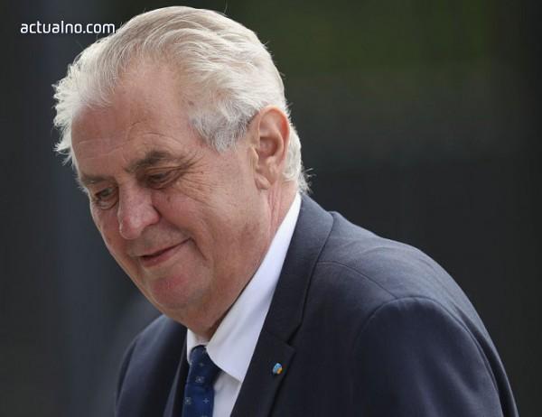 photo of Чешкият президент към новоназначени съдии: Журналистите са като досадни оси, размажете ги