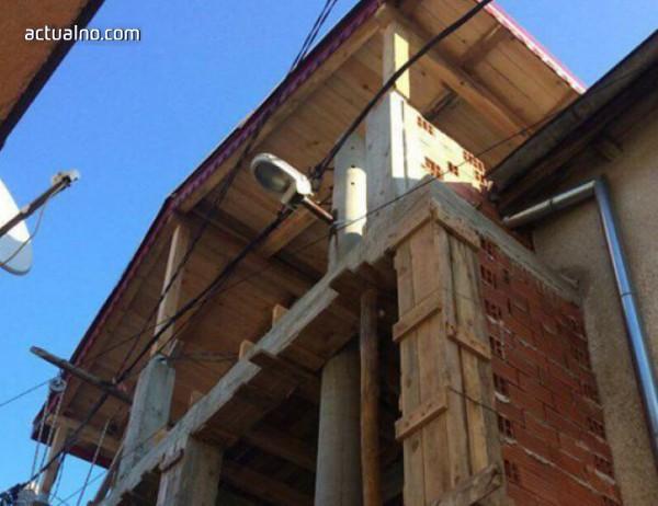 photo of Пловдивски роми вградиха улична лампа в къща