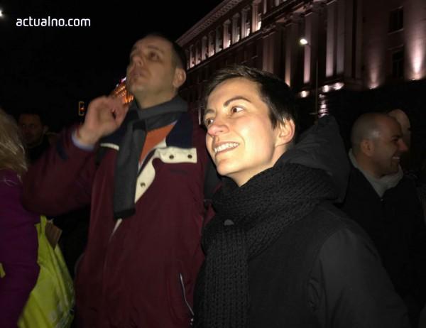 "photo of Ска Келер се готви да заведе дело срещу Валери Симеонов заради ""език на омразата"""