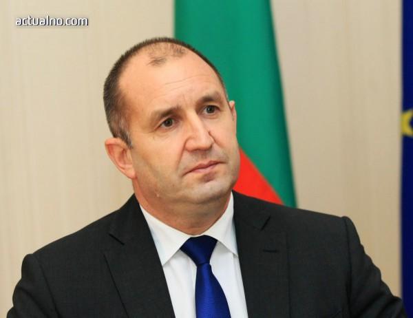 photo of Румен Радев иска да се търси отговорност от политици заради военните