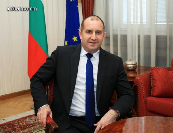 photo of Официално: Румен Радев отива на среща с Путин в Сочи на 22 май