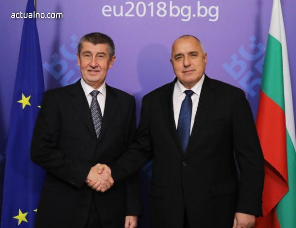 Чешкият премиер попадна под кръстосан огън заради съмнения за корупция