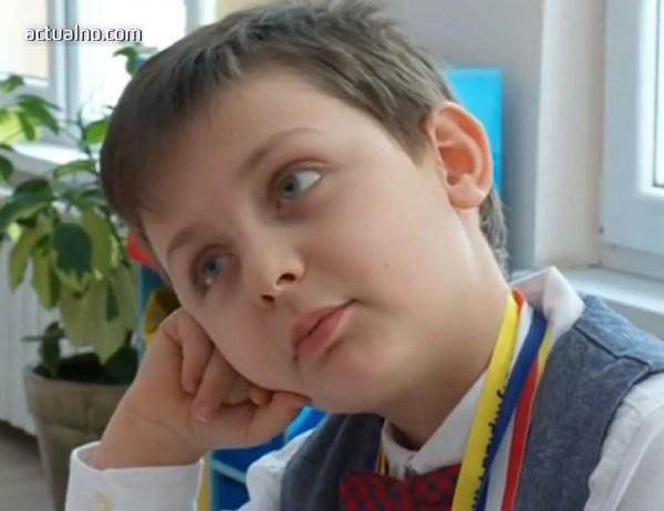 photo of 6-годишно българче със златен медал от Олимпиада в Тайланд