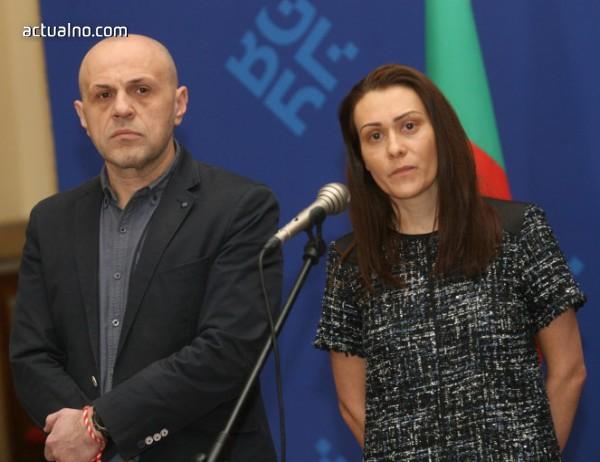 photo of Синдикатите искат ново изслушване по сделката за ЧЕЗ