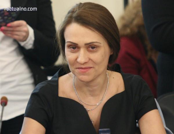 photo of Моника Станишева: Фалшива новина е, че съм пиар на Гинка Върбакова