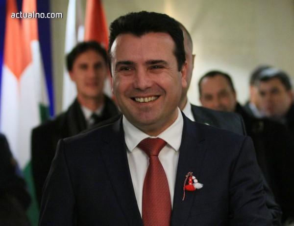 photo of  Зоран Заев ще се срещне с Майк Пенс във Вашингтон
