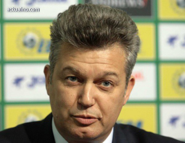 photo of Шефът на съдиите подаде оставка, Михайлов я прие