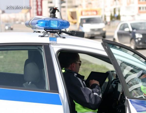 photo of Проверяват шофьорите за оръжия и боеприпаси