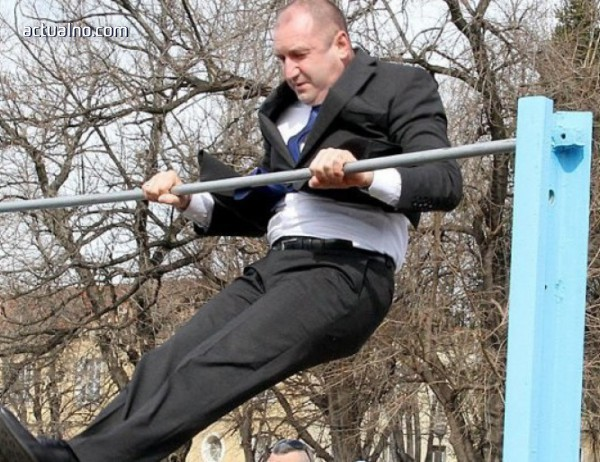 photo of Радев се прави на Йордан Йовчев, при това по сценарий (СНИМКИ)