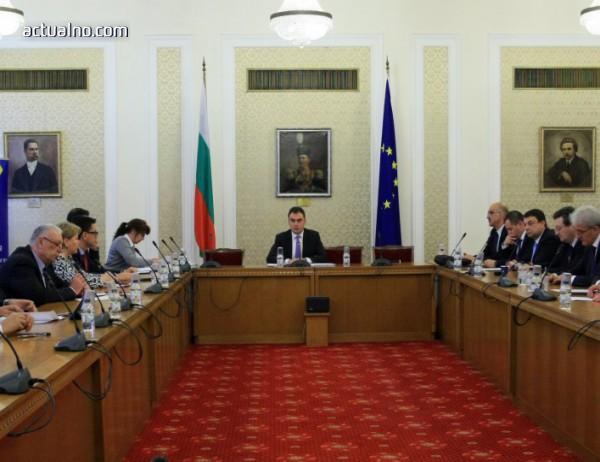photo of Криминалната връзка към Борисов при сделката за ЧЕЗ остава мъгла (ВИДЕО)