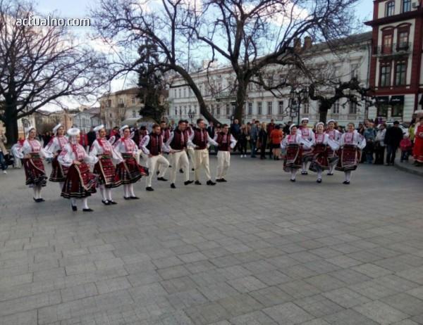 photo of Българите в Украйна изпращат Баба Марта с празненство