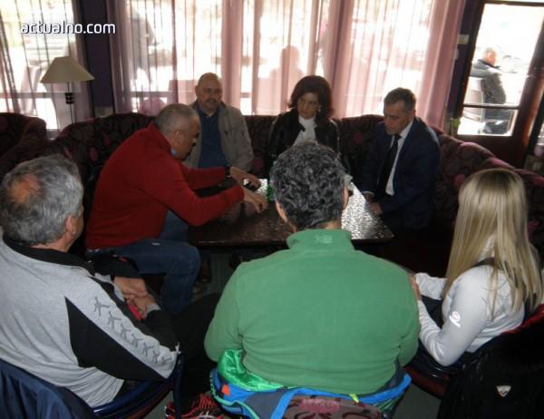 photo of Даниела Дариткова и Владимир Уручев се заеха с парите за Проглед