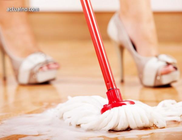 photo of Британска фирма пусна скандална услуга - голи чистачки за дома и офиса