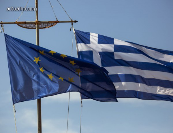 photo of ЕСМ отпусна 1 млрд. евро в помощ на Гърция