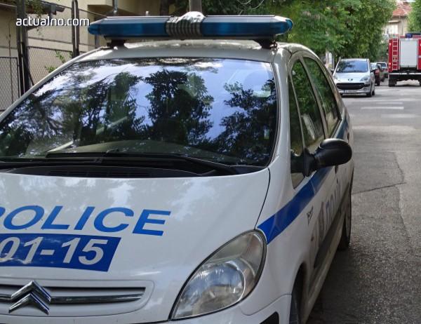 """photo of """"Рено"""" се запали в движение на пътя Симитли-Разлог, няма пострадали"""