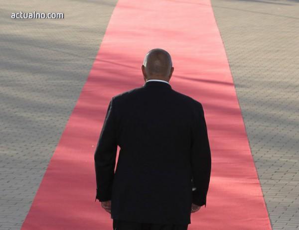 photo of Махайте се от главата на премиера, бързо
