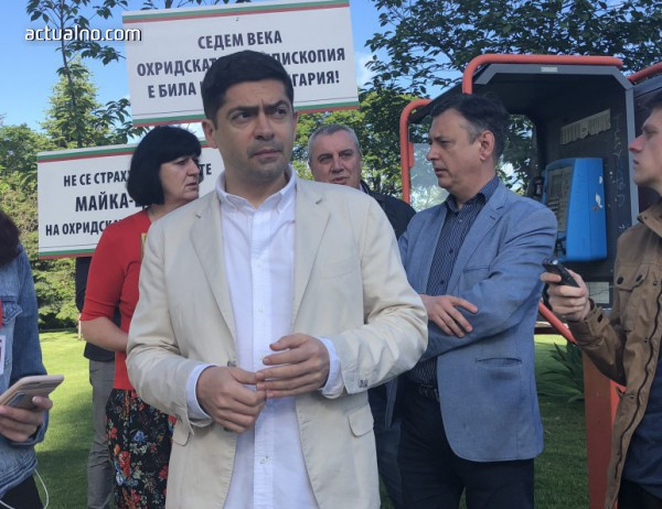 photo of Врабевски: Службите да се сезират за чуждо влияние в Светия синод