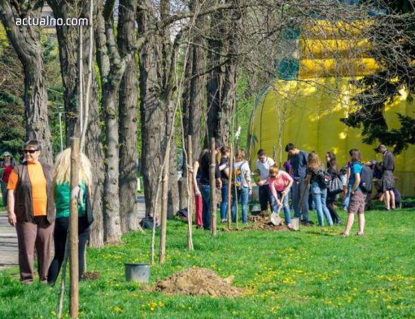 """photo of """"Перно Рикар България"""" и Rotaract се обединяват в името на земята и природата"""