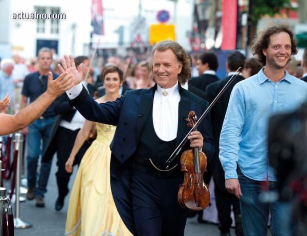 photo of  Разграбват се последните билети за концертите на Андре Рийо