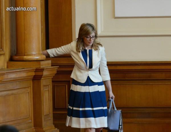 photo of Захариева: България ще се присъедини към дело в ЕСПЧ за отнети деца в Норвегия