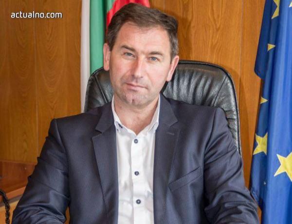 photo of Кметът на Мадан: Спират се много важни проекти в ущърб на хората