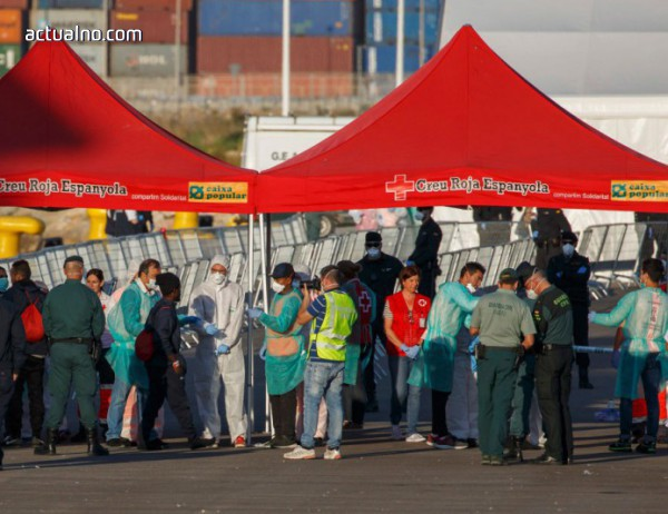 photo of Поток от нелегални мигранти от Турция заля Солун