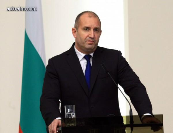 photo of Стотици хиляди българи живеят в бедност, констатира президентът Румен Радев