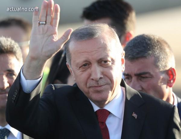 photo of Ердоган призова турците да продадат чуждестранната си валута, за да спасят лирата