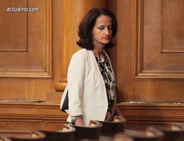 photo of Председателят на КФН смени мъжа на Ирина Бокова в ръководството на ЕБВР
