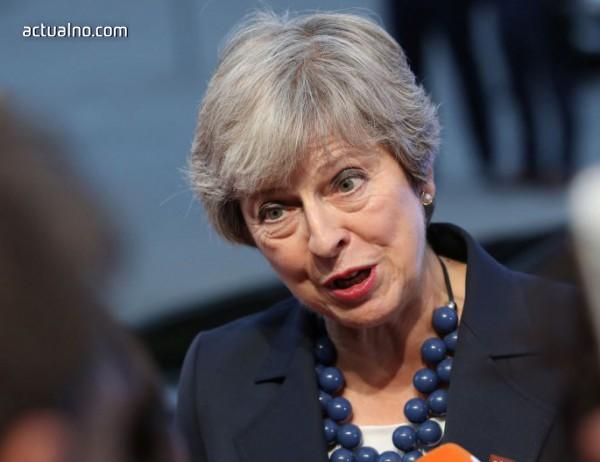 photo of Сагата с Brexit: Тереза Мей е упорита като муле, но часовникът тиктака