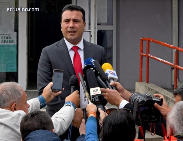 photo of Заев разговарял лично с депутати относно договора за името