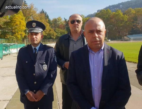 photo of Старши комисар Елиан Стамболийски награди полицаи от Кюстендил