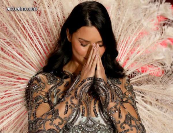 photo of Адриана Лима избухна в сълзи на последното си ревю за Victoria's Secret (СНИМКИ)