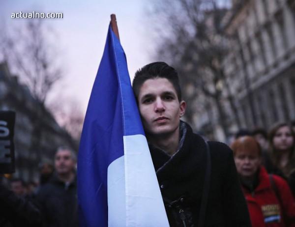 Франция пламна заради високите цени на горивата, десетки са арестувани, има загинал (ВИДЕО)