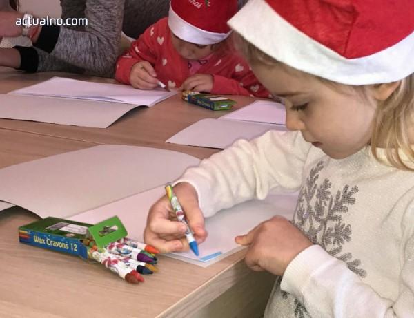 Деца рисуват на гости на археолози в Мездра