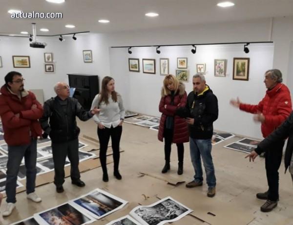 photo of Първият зимен фотографски салон в Казанлък се радва на огромен интерес