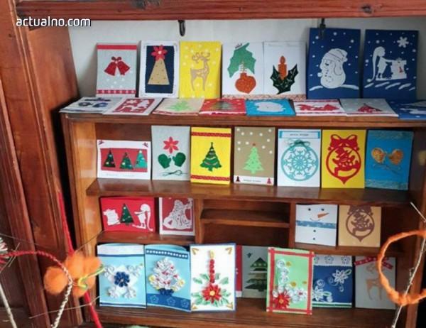 С картички на деца с увреждания община Златоград поздравява за Коледа своите партньори