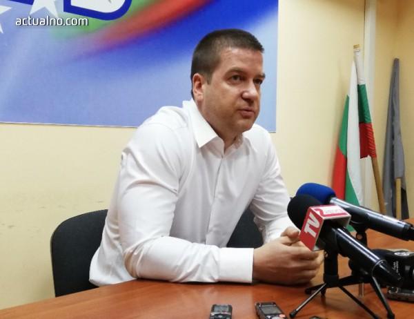 Кметът на Стара Загора оттегля жалбите си за клевета във Facebook